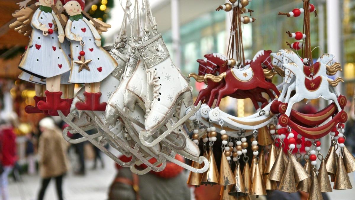 Weihnachtsmarktfiguren Schmuck